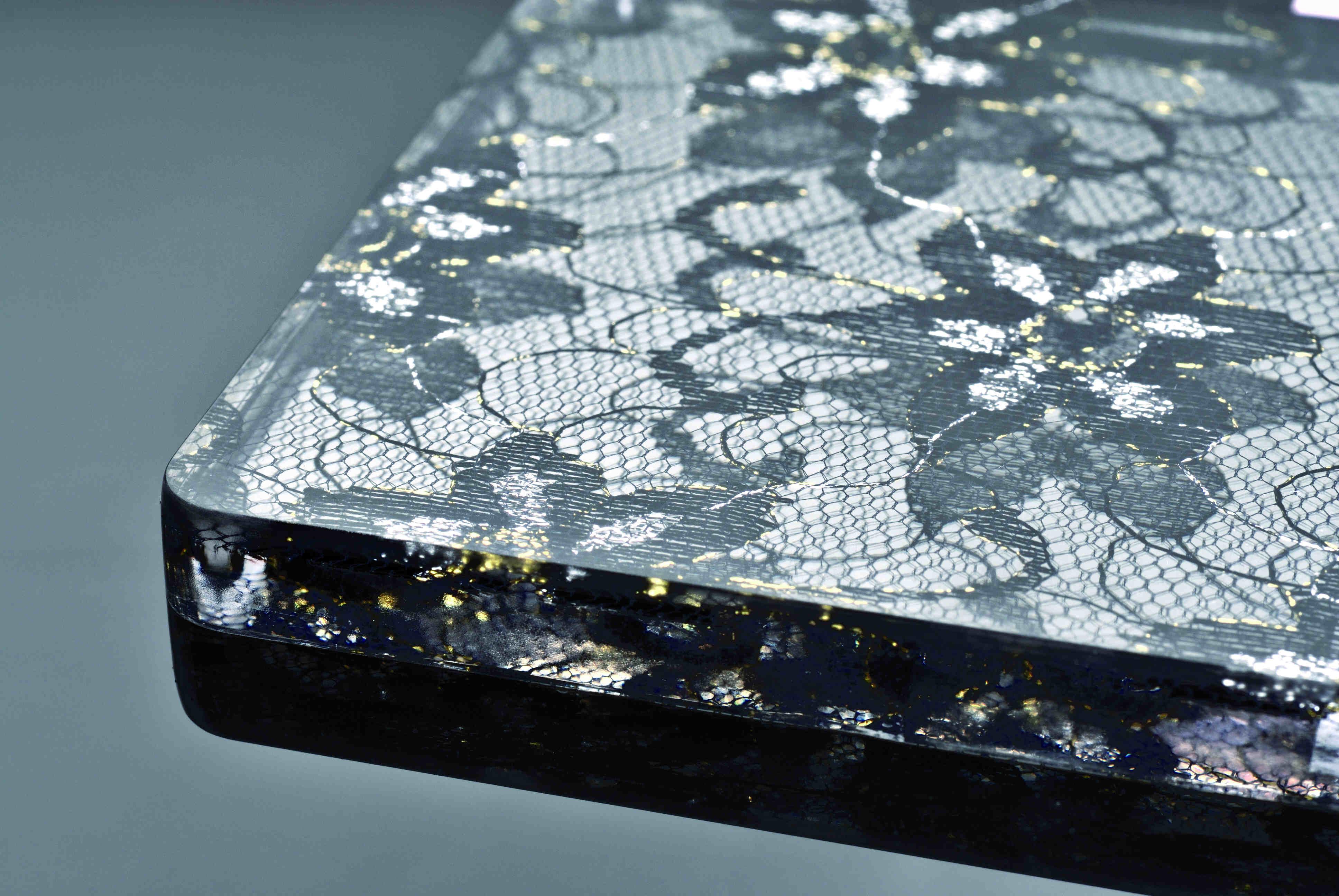 Lastra Plexiglass e Tessuto Inglobato