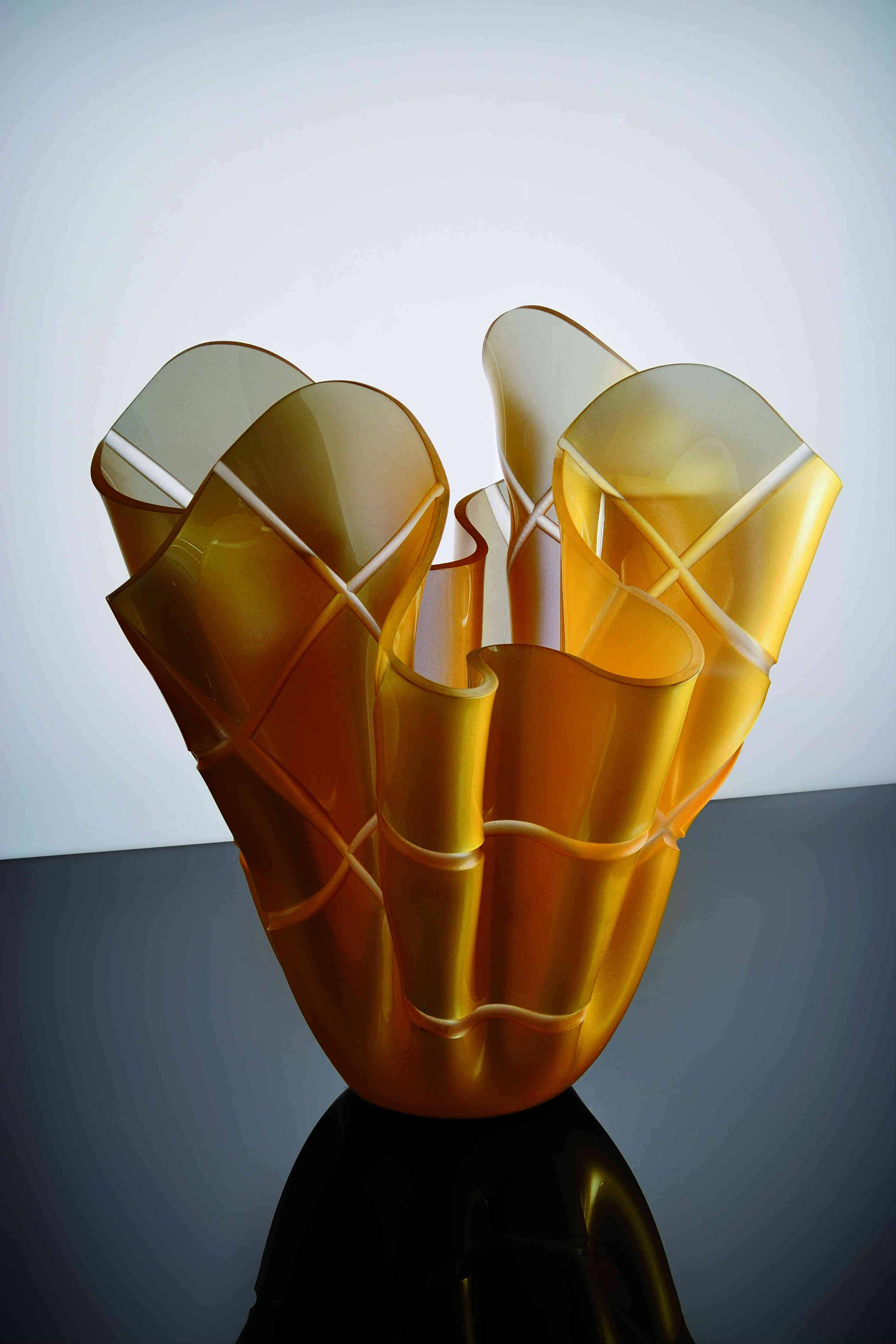 plexiglass vase acrilgraph. Black Bedroom Furniture Sets. Home Design Ideas